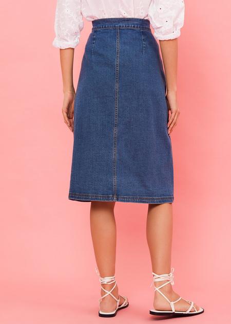Джинсовая юбка-миди с пуговицами - фото 5