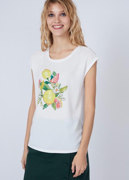Лёгкая блуза с аппликацией - фото 1