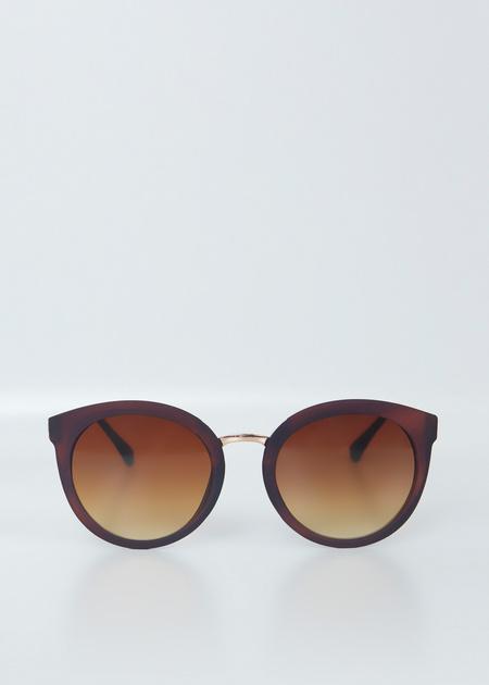 Солнцезащитные очки в цветной оправе - фото 4