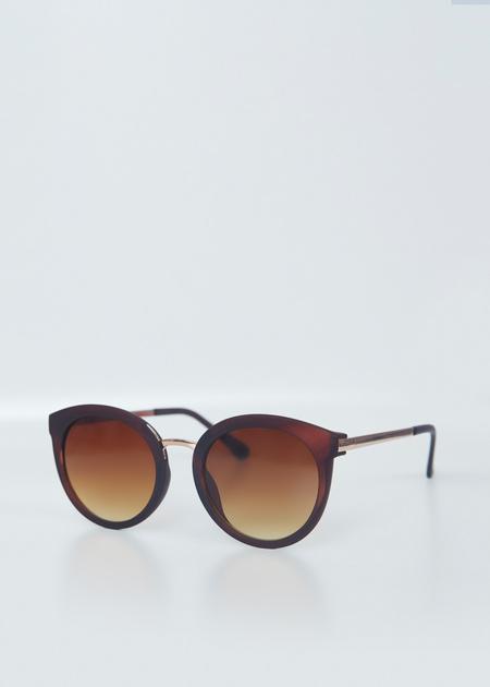 Солнцезащитные очки в цветной оправе - фото 5