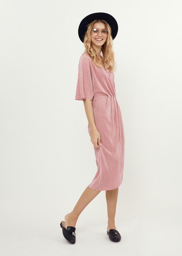 Плиссированное платье-миди на запахе - фото 6
