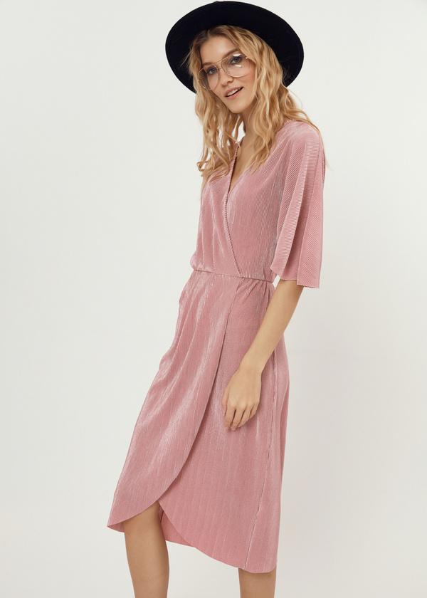 Плиссированное платье-миди на запахе - фото 7