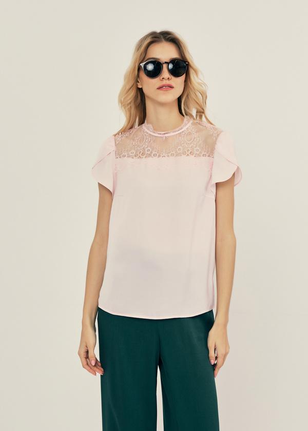 Легкая блуза с кружевом - фото 1