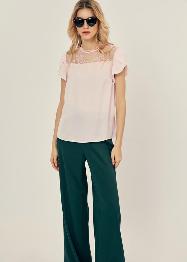 Легкая блуза с кружевом - фото 4