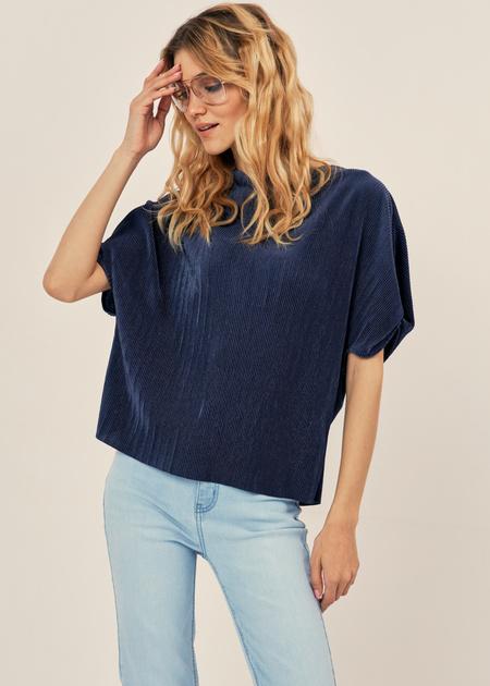 Плиссированная блузка оверсайз - фото 1