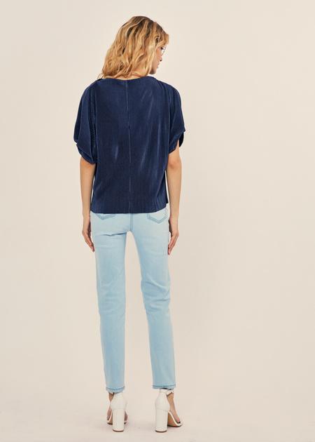 Плиссированная блузка оверсайз - фото 3