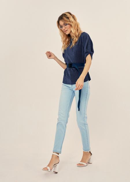 Плиссированная блузка оверсайз - фото 6