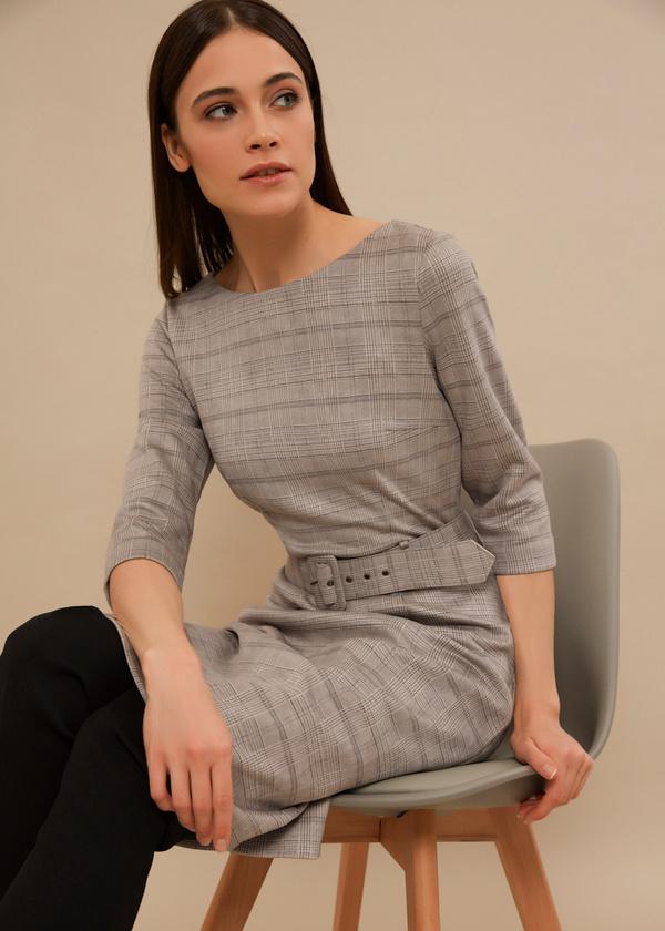 Приталенное платье с текстильным ремнем - фото 2