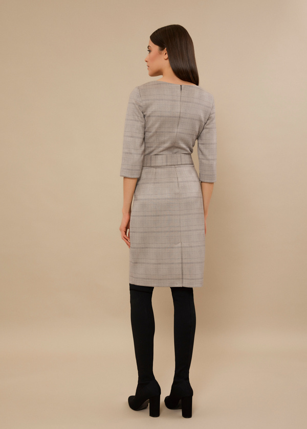 Приталенное платье с текстильным ремнем - фото 3