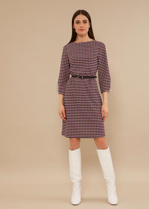 Приталенное платье с ремешком - фото 2