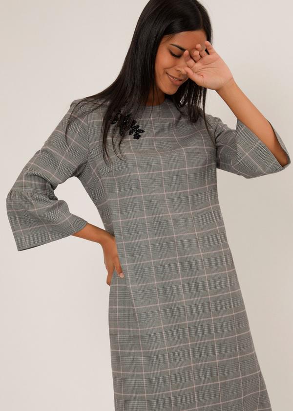 Платье с нашивкой и рукавами-фонариками  - фото 5