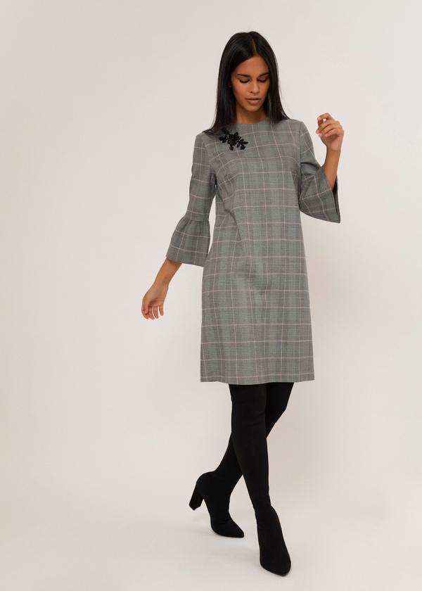 Платье с нашивкой и рукавами-фонариками  - фото 6