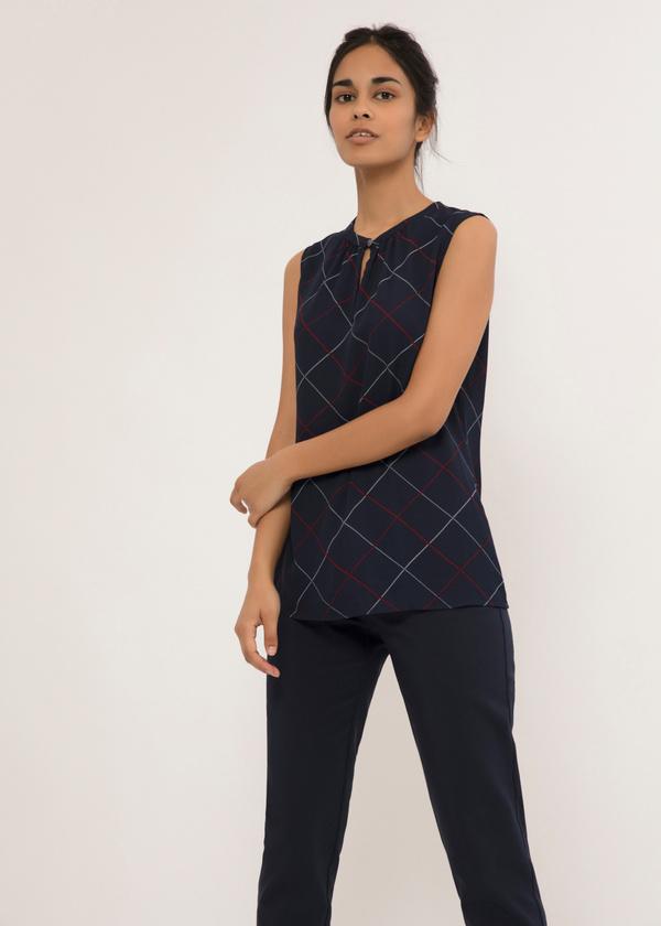 Легкая блуза с застежкой капелька - фото 2