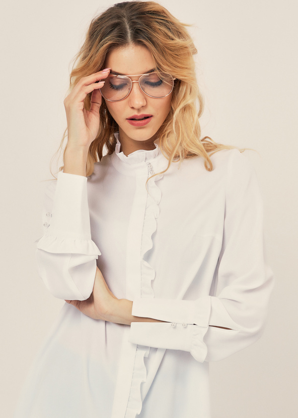 Блуза с воланами и воротником стойка - фото 1