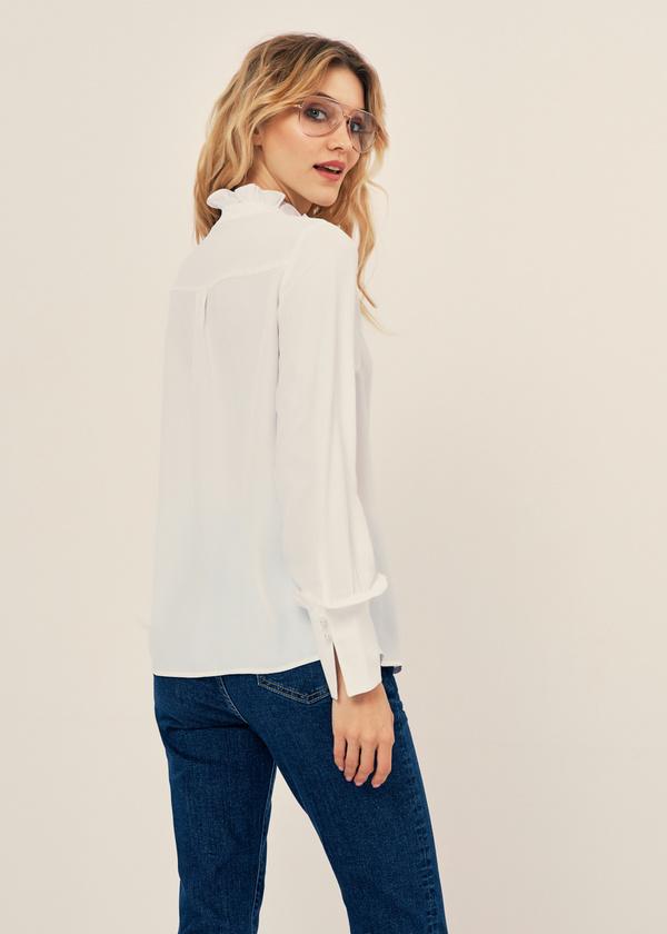 Блуза с воланами и воротником стойка - фото 3