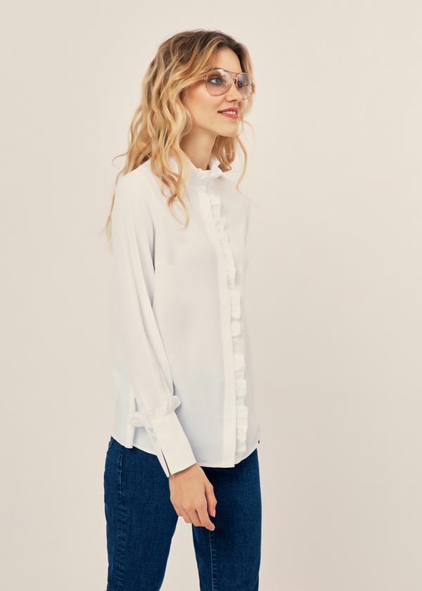 Блуза с воланами и воротником стойка - фото 5