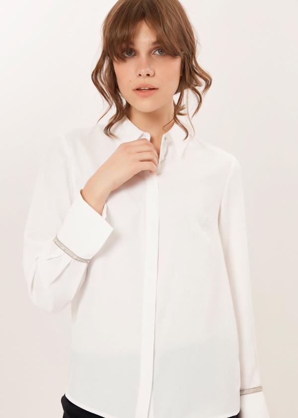 Блузка с декорированными манжетами - фото 2