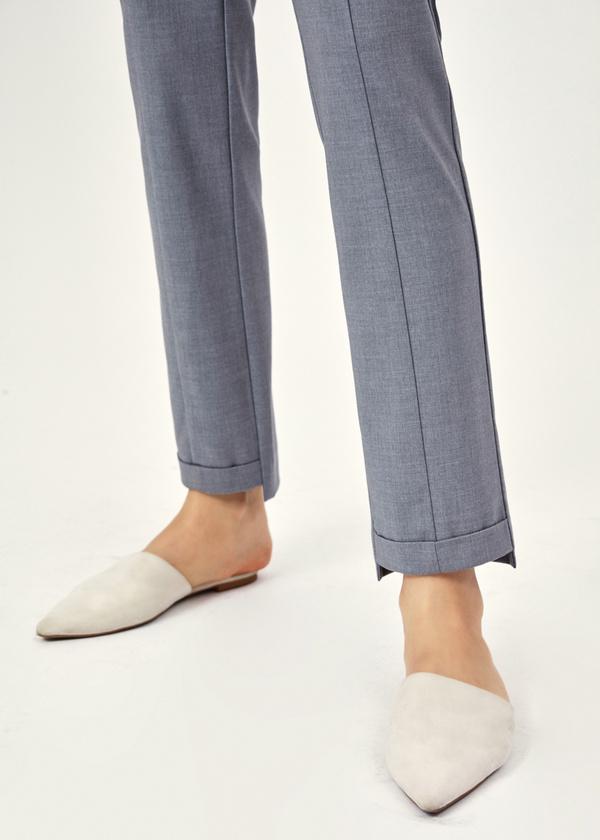 Зауженные брюки с асимметричным низом - фото 4