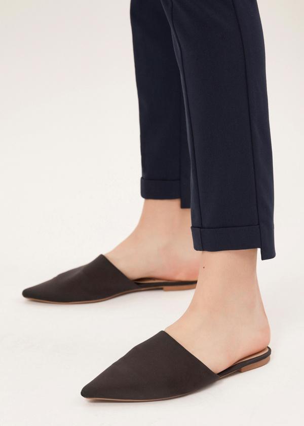 Зауженные брюки с асимметричным низом - фото 3