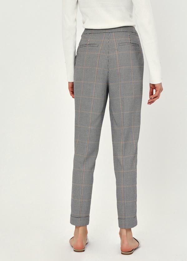 Укороченные брюки с подворотами - фото 3