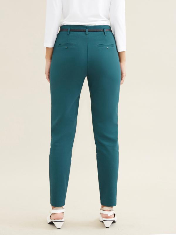 Укороченные брюки с ремешком - фото 3