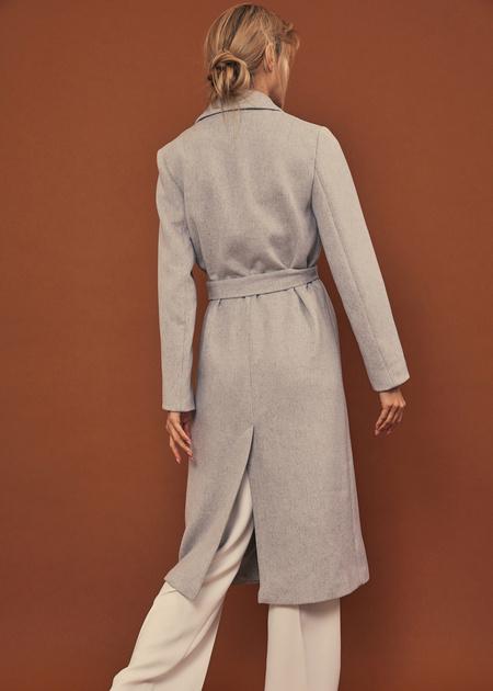 Пальто со съемной брошью - фото 4