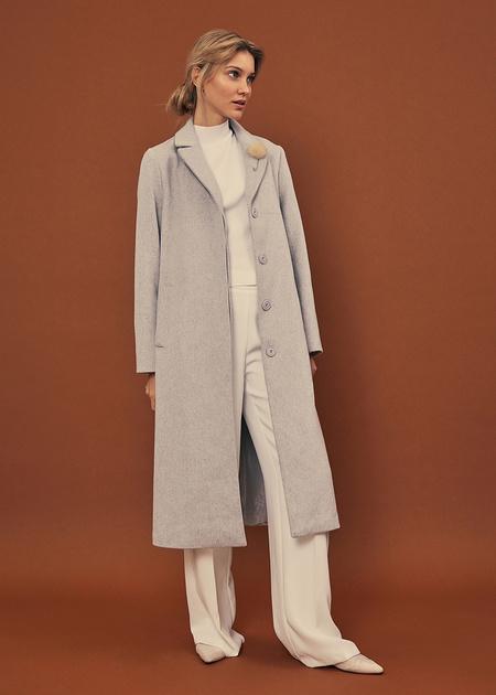 Пальто со съемной брошью - фото 6