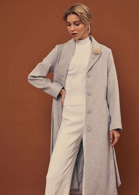 Пальто со съемной брошью - фото 7