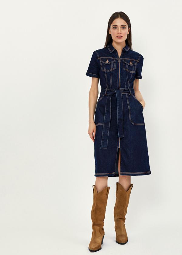 Джинсовое платье с поясом - фото 4
