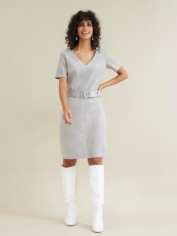 Платье с поясом имитация замши - фото 2