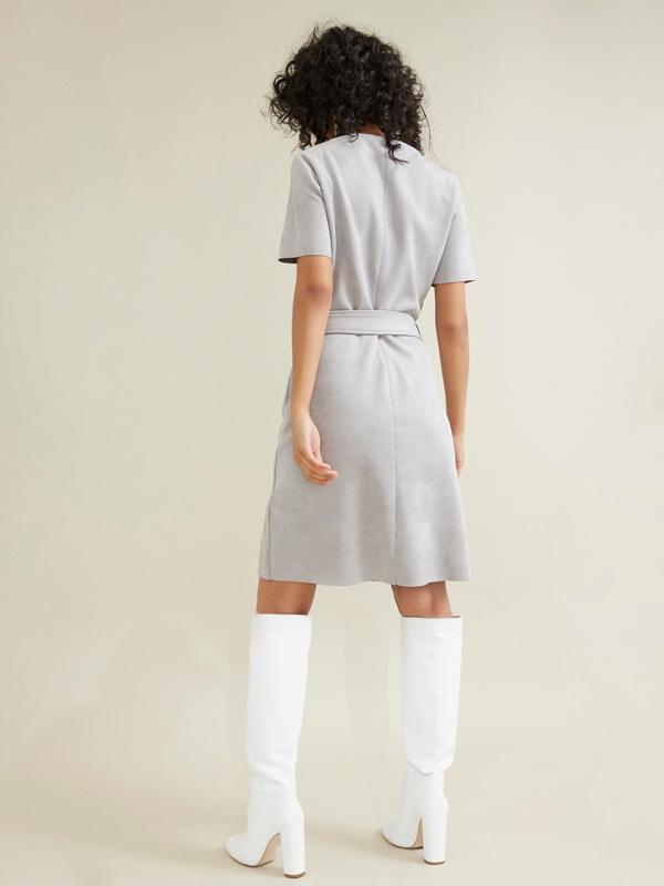 Платье с поясом имитация замши - фото 4