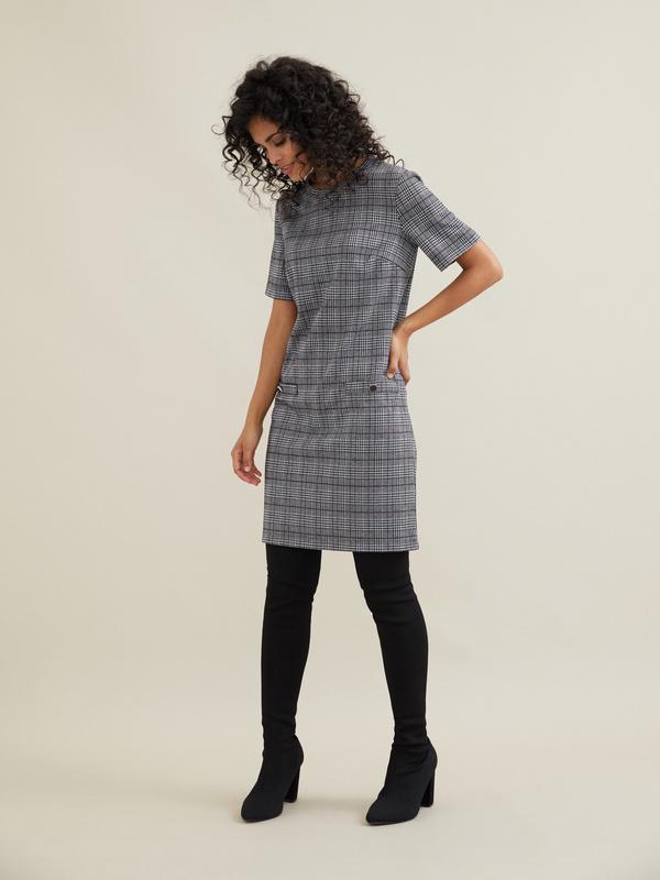 Платье-мини с имитацией карманов - фото 6