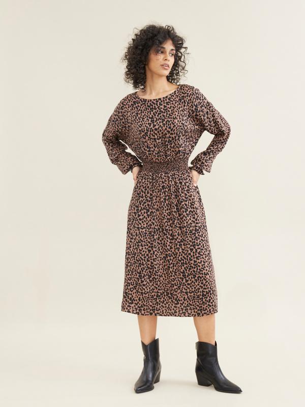 Платье-миди с леопардовым принтом - фото 1