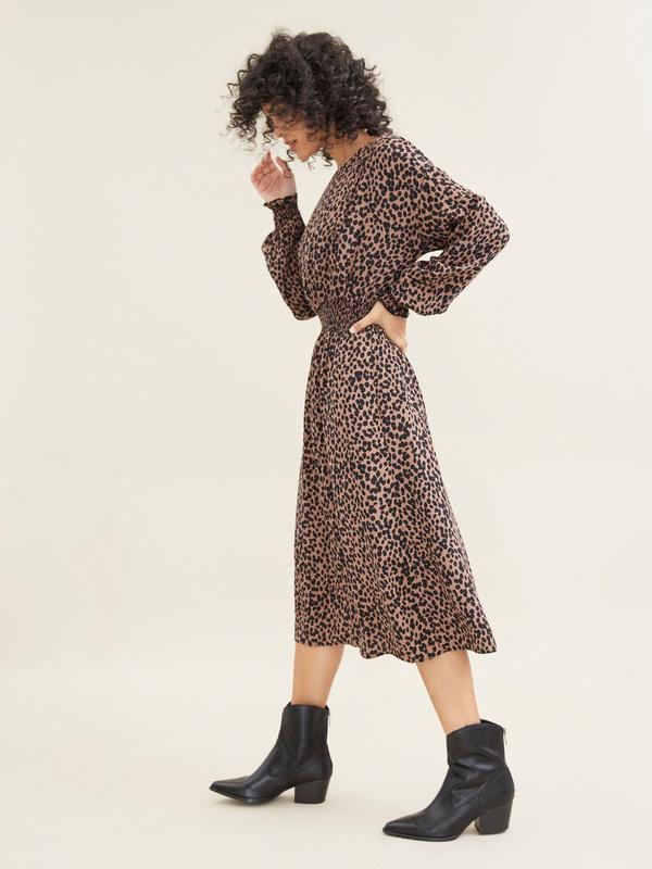 Платье-миди с леопардовым принтом - фото 3