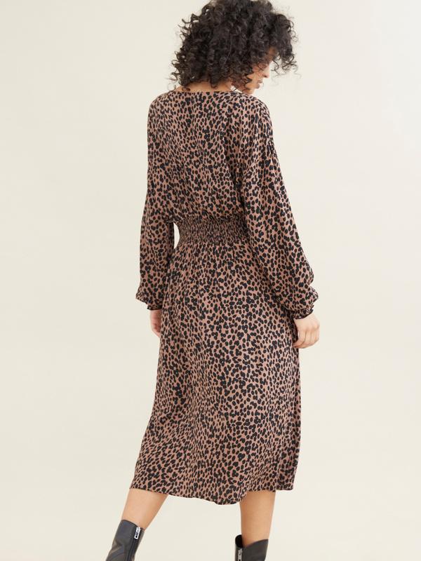 Платье-миди с леопардовым принтом - фото 4