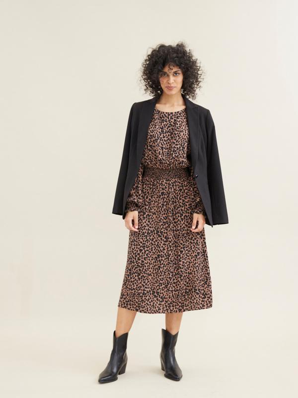Платье-миди с леопардовым принтом - фото 6