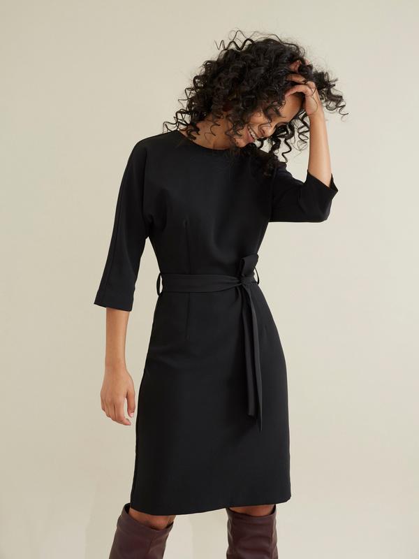 Платье-футляр с поясом - фото 1