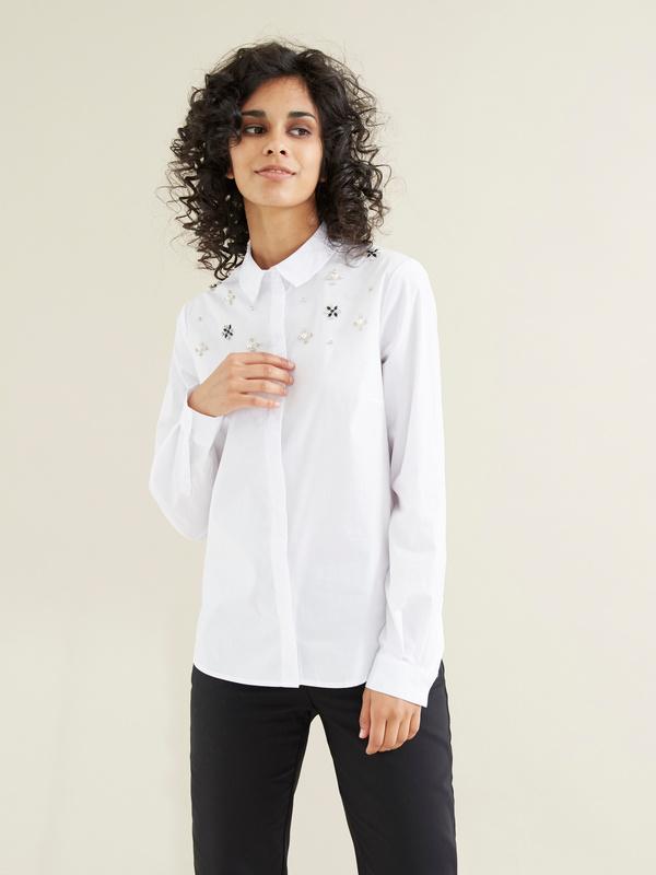 Блузка с вышивкой из страз - фото 1