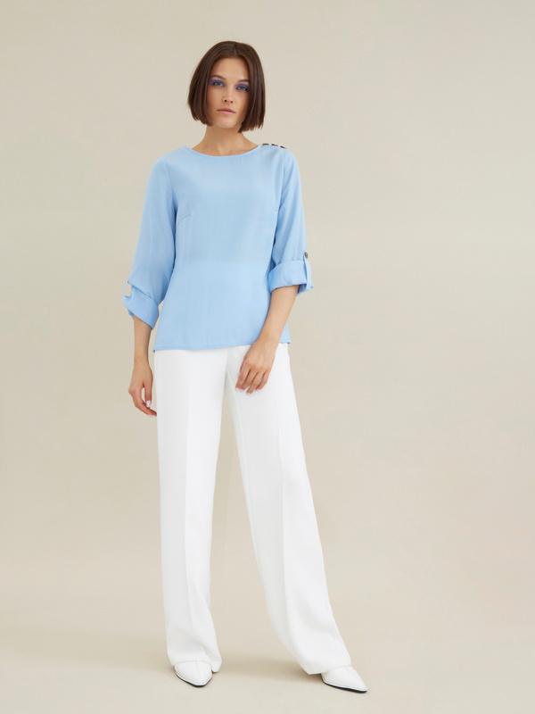 Блузка с подворотами на рукавах - фото 6