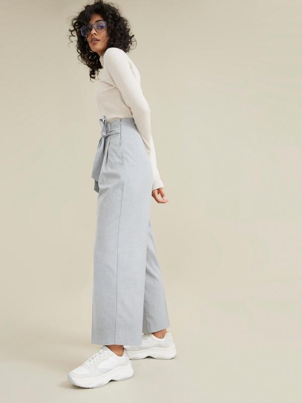Широкие брюки на поясе с защипами - фото 2