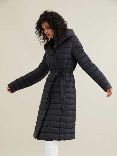Стеганое пальто на поясе с капюшоном - фото 1