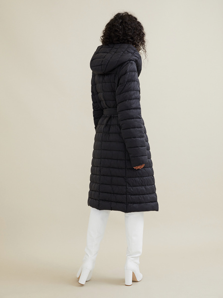 Стеганое пальто на поясе с капюшоном - фото 7