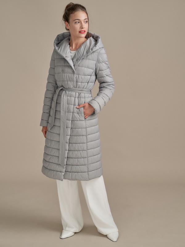 Стеганое пальто на поясе с капюшоном