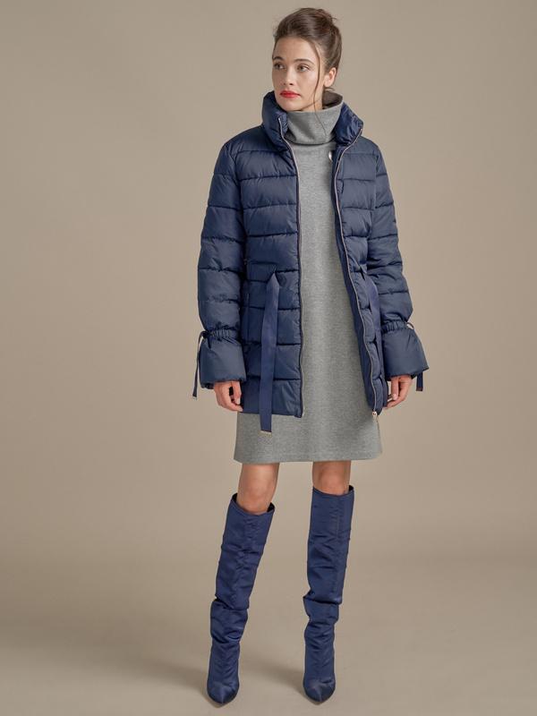 Куртка с поясом и завязками на рукавах - фото 3