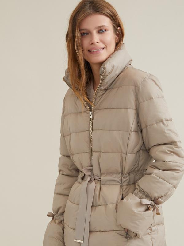 Куртка с поясом и завязками на рукавах - фото 5