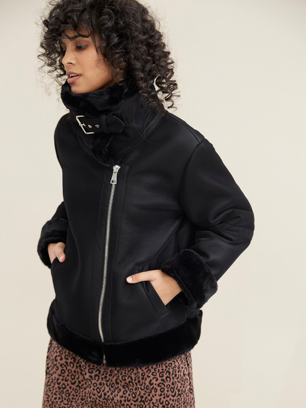Куртка-дубленка с воротником стойкой - фото 2