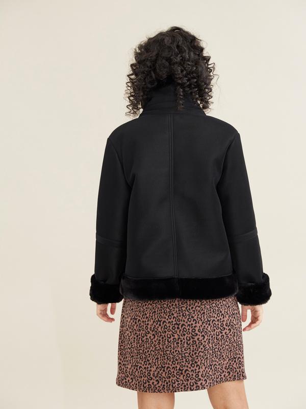 Куртка-дубленка с воротником стойкой - фото 4