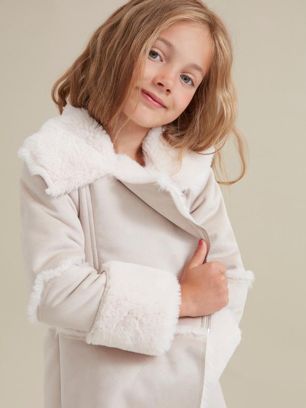 Пальто для девочек имитация замши - фото 2