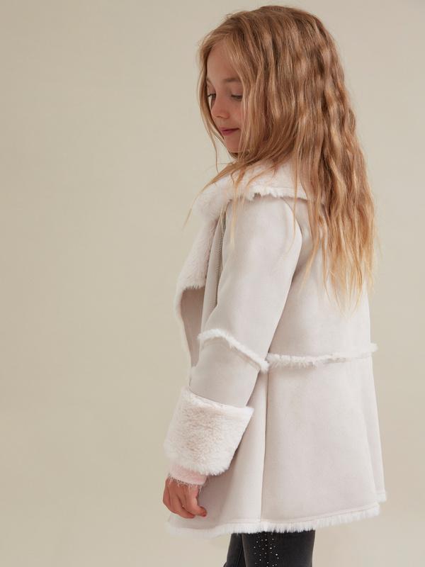 Пальто для девочек имитация замши - фото 3