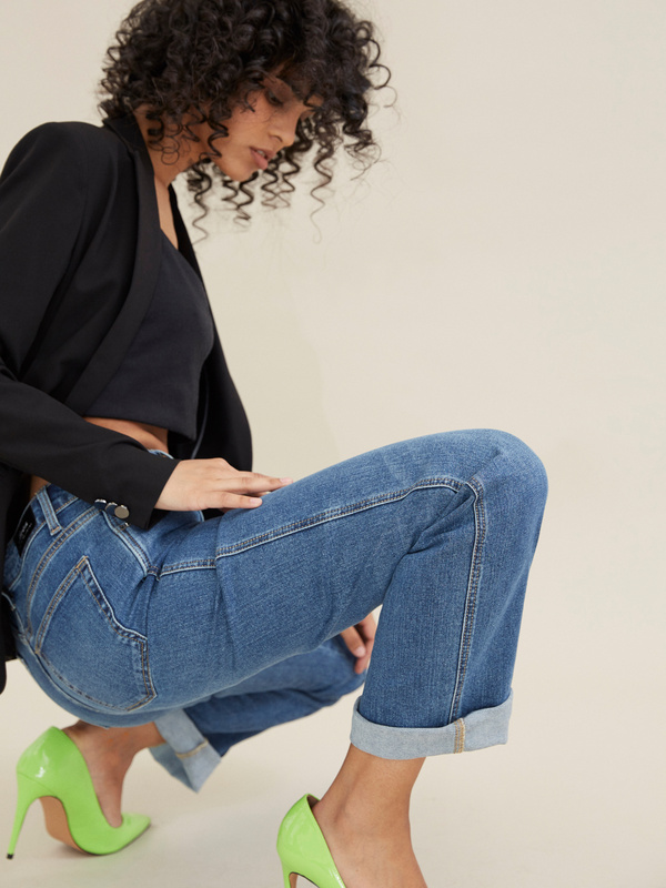 Прямые джинсы - фото 6